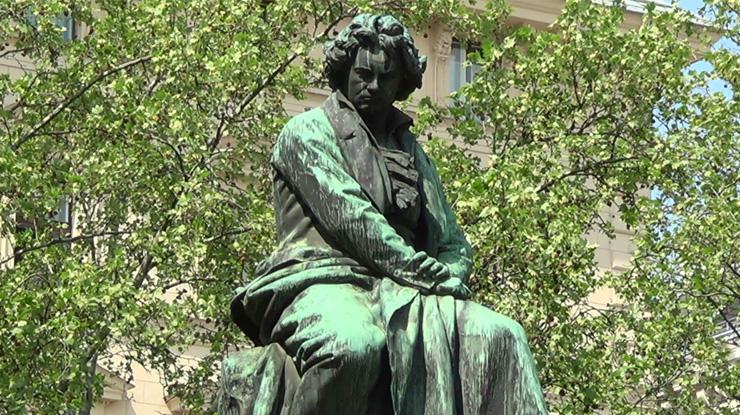 ウィーンにあるベートーヴェンの銅像
