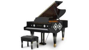 宝石が散りばめられたピアノ