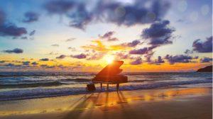 夕焼けに染まる海辺のピアノ