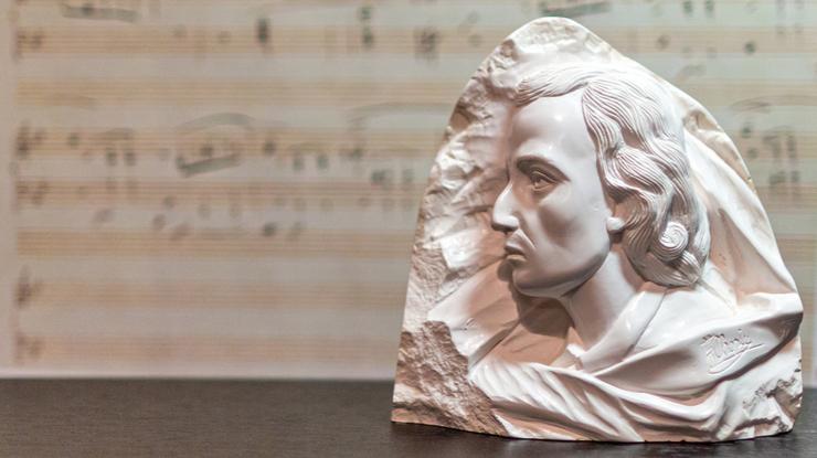 ショパンの聴いておきたいピアノ曲10選【ピアノの詩人が書いた名曲たち】