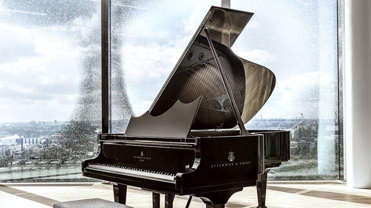 グランドピアノ 曲線美